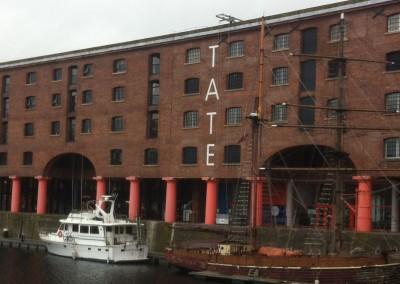 Tate Gallery - large wall signwriting